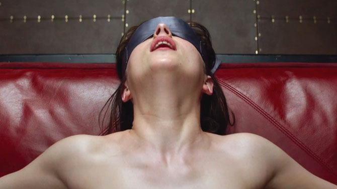 Using handcuffs and blindfold whilst eating her out
